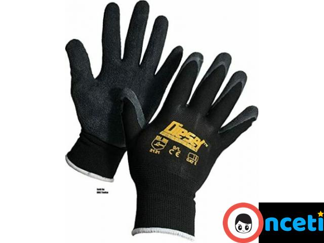 12-PACK SAFETY AND WORK GLOVES. latex coated grip - 1/4